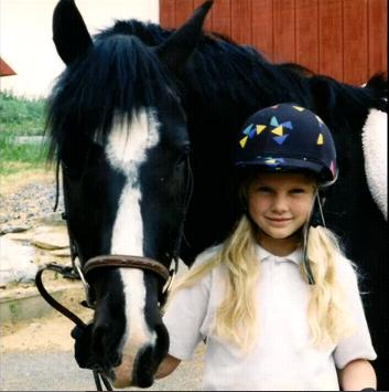 Young_Taylor_with_her_horse